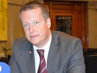 İsveç İçişleri Bakanı'ndan Danimarka'ya sığınmacı tepkisi