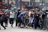 Paris'te protestoların ardı arkası kesilmiyor