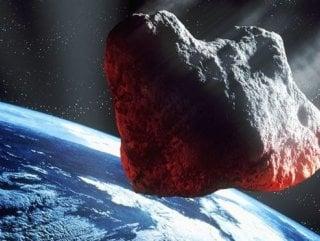 650 metrelik göktaşı Dünya'yı teğet geçti