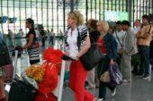 Rus turistler akın akın Türkiye'ye geliyor