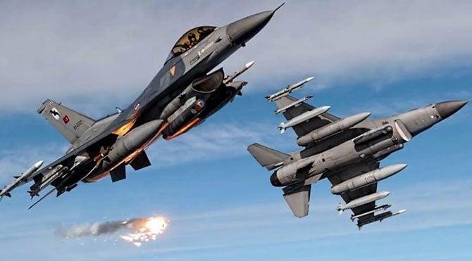 Cumhurbaşkanı'nın uçağına F-16'lar eşlik etti