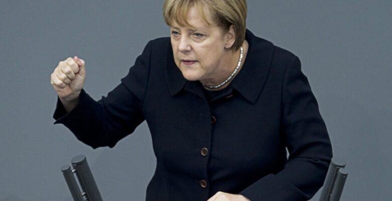 Merkel: Türkiye AB'ye üye olamaz
