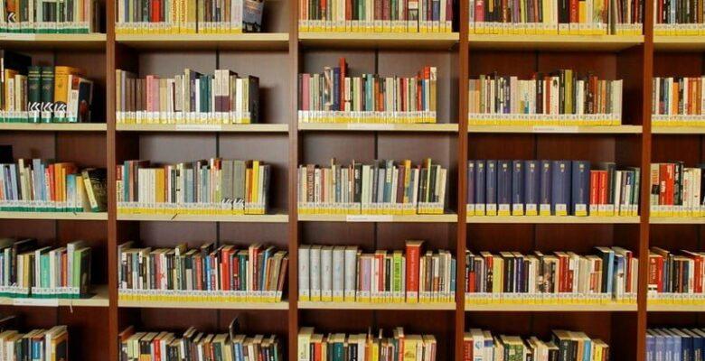 Belediye'den Okullara Kütüphane