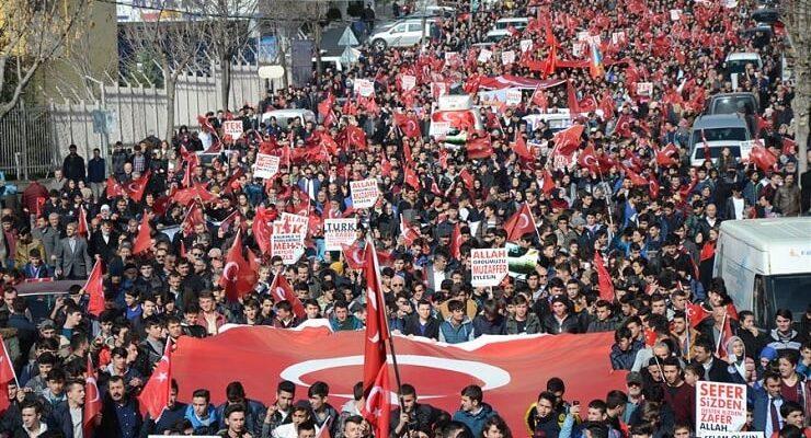 Pursaklar Mehmetçiğe destek için yürüdü