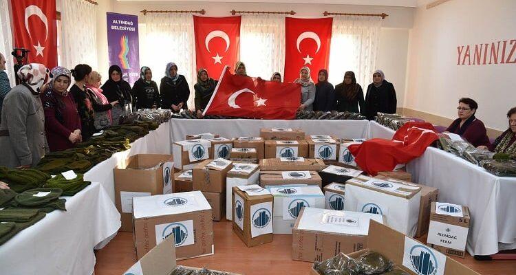Altın Kadınlar'dan Mehmetçik'e destek!
