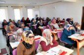 10 yılda 10.300 kadın okuma yazma öğrendi