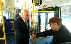 Otobüse Bindi, Vatandaşı Dinledi
