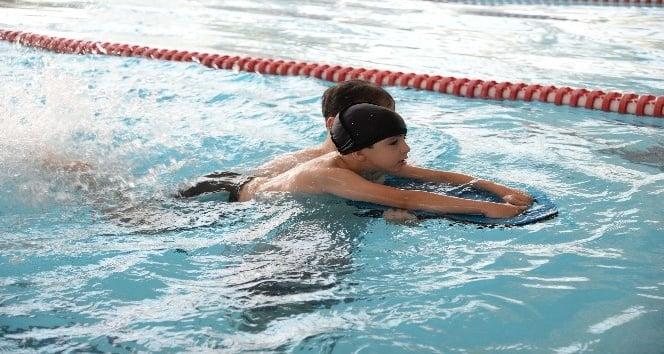 Pursaklar Belediyesinin yüzme kursuna büyük ilgi
