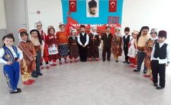Minikler Ankara'nın Başkent Oluşunu Kutladı