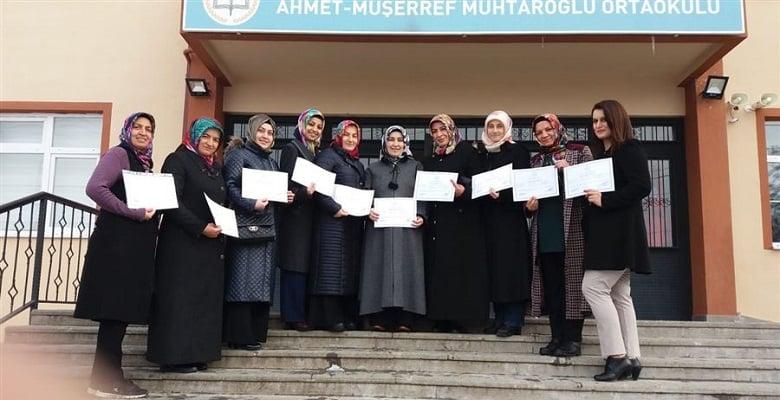 Peçenekli kadınlar yeni yılın ilk sertifikasını aldı