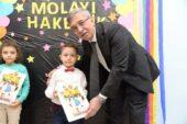 Başkan Çetin Öğrencilere Karne Dağıttı