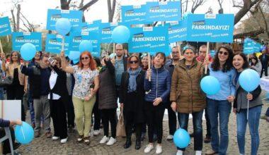 Mavi Balonlar Kuğulupark'tan Yükseldi