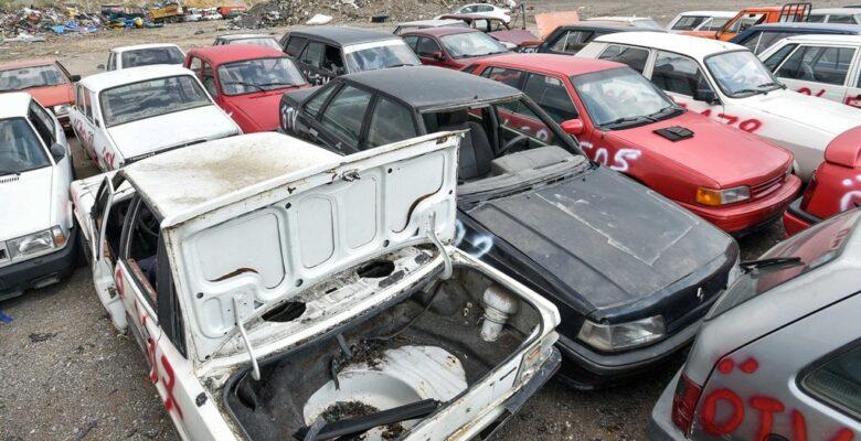 Büyükşehir Hurda Araçları Topluyor
