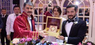 Ayhan Yılmaz Belediye Başkanı Unvanıyla İlk Nikahı Kıydı