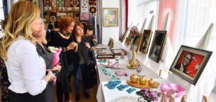 Dikmen Hanımlar Lokali'nde Yılsonu Sergisi