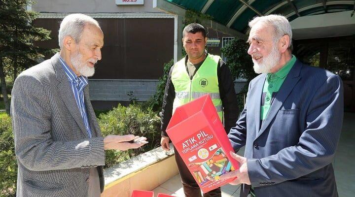 Yenimahalle'de Atık Piller Toplanmaya Devam Ediyor