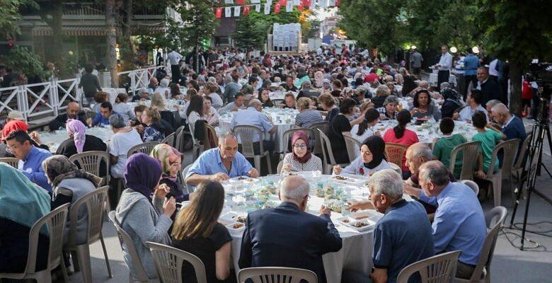 Başkan Yaşar, Gazililerle iftar yaptı