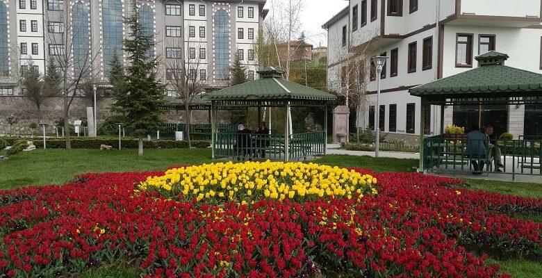 Akyurt Belediyesi'nden Yılda 120 Bin Bitki Üretimi