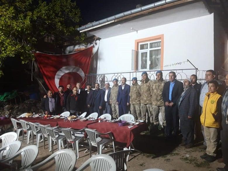 Başkan Demirbaş ilk iftarını şehit ailesinin evinde yaptı