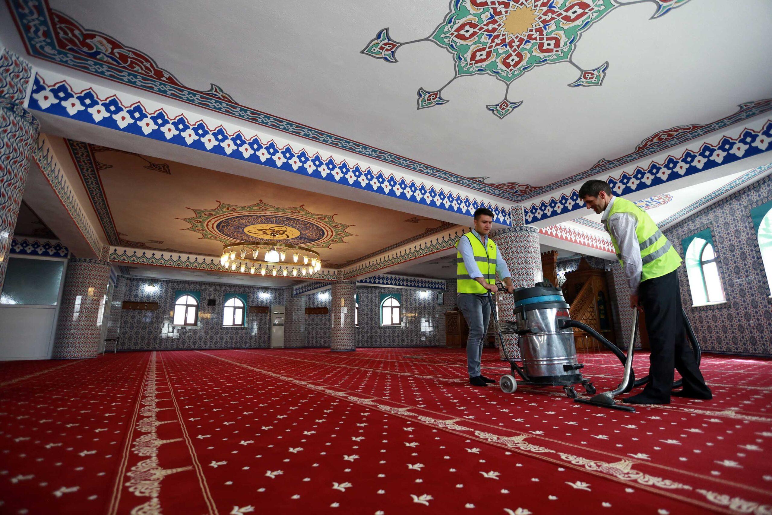 Yenimahalle'de Ramazan temizliği
