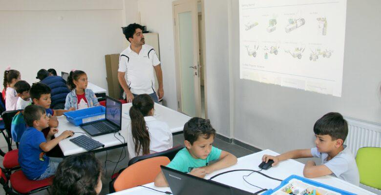 Çocuk Teknoloji Evinde Yaz Okulu