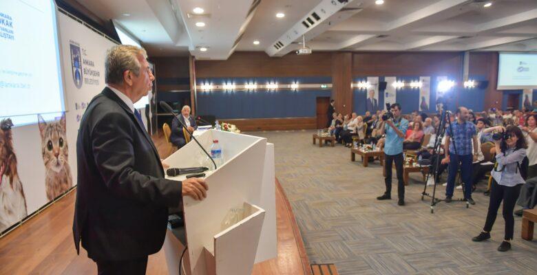 Ankara'da Sokak Hayvanları Çalıştayı Düzenlendi