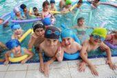 Yenimahalle havuzlarında yaz keyfi