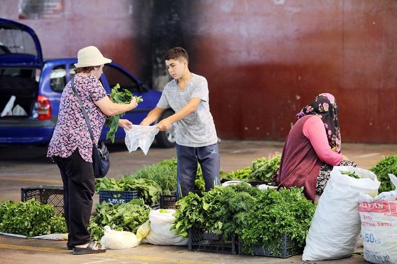 Yenimahalle organik pazarlarına büyük ilgi