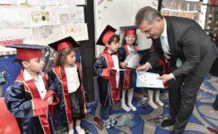 Yüz kırk üç minik mobil anaokuldan mezun oldu