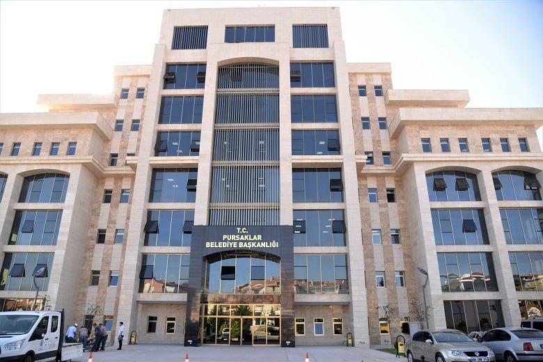 Pursaklar'da Yeni Belediye Binası Hizmete Açıldı