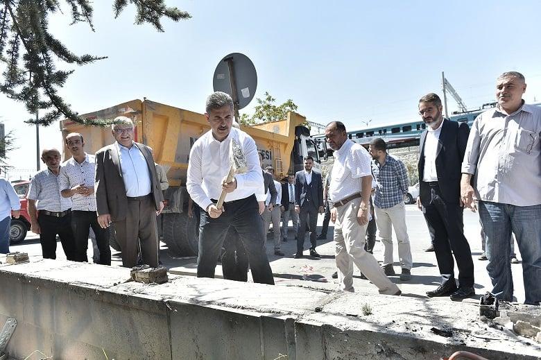 Mamak Belediyesi Duvarları Yıktı