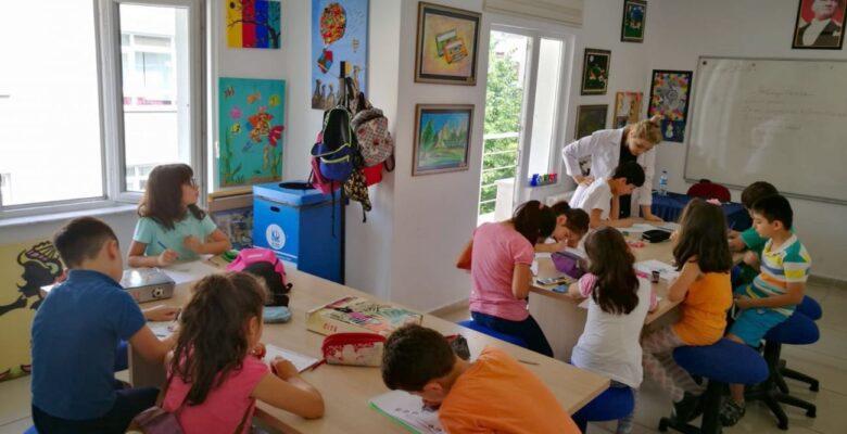 Yaz Okulları Çocuklarımızı Sosyalleştiriyor