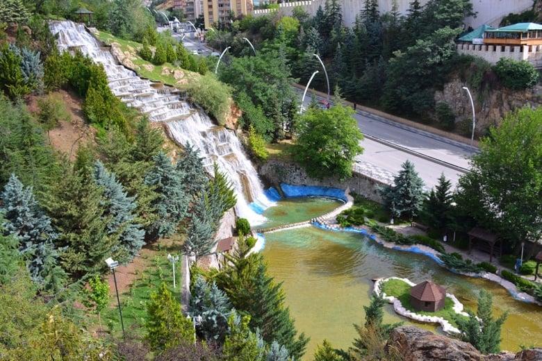Keçiören'in Kuğulu Parkı