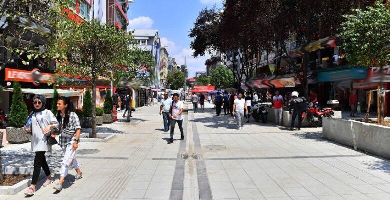 Sakarya Caddesi'nin Çehresi Değişiyor