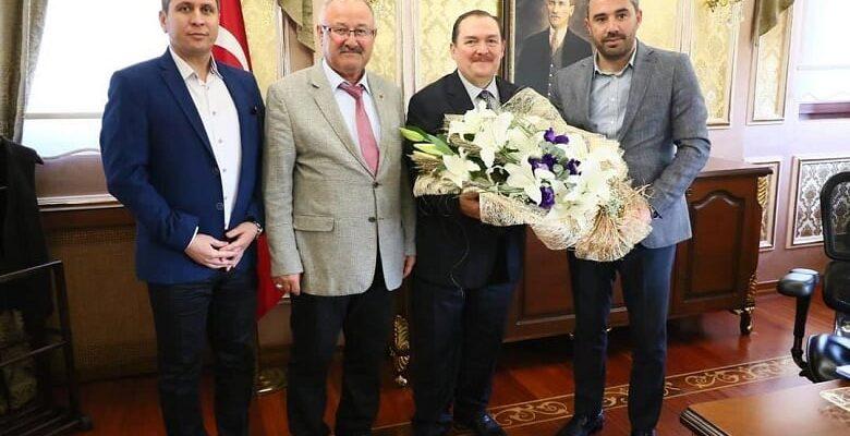 Başkan Ertuğrul Çetin'den Eyüp İlçe Kaymakamı İhsan Kara'ya Ziyaret