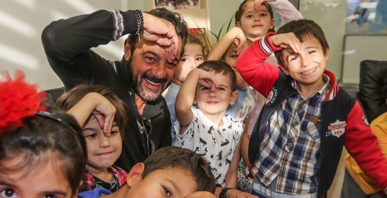 Kerem Alışık, Sadri Alışık kreşini ziyaret etti