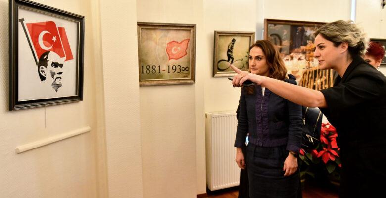 """Atatürk """"Kırkyama"""" Sergisiyle Anıldı"""