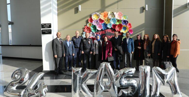 Akyurt'ta Öğretmenler Günü Kutlandı