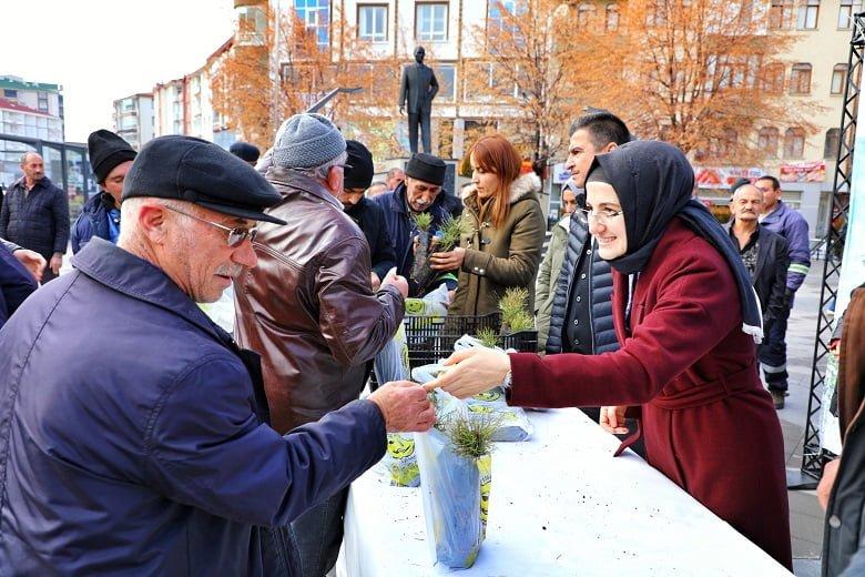 Akyurt Belediyesi'nden 8 Bin Fidan