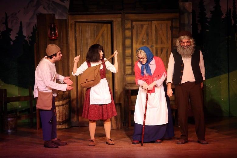 Yenimahalle'de Miniklere Ücretsiz Tiyatro