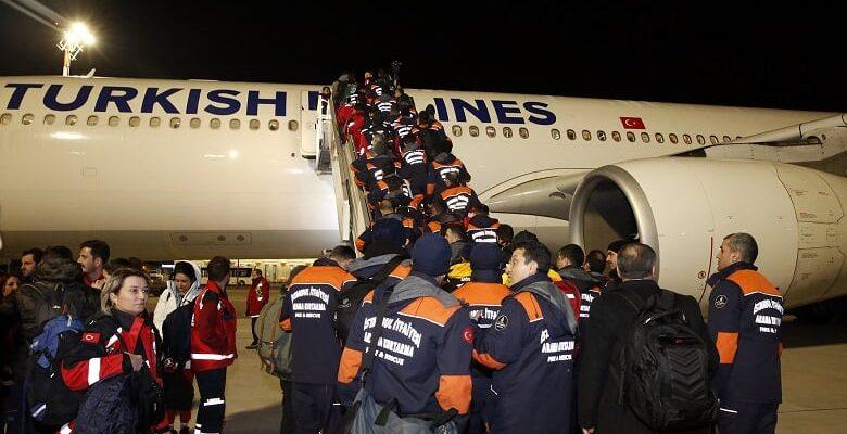 İBB'nin ilk ekipleri Elazığ'a ulaştı