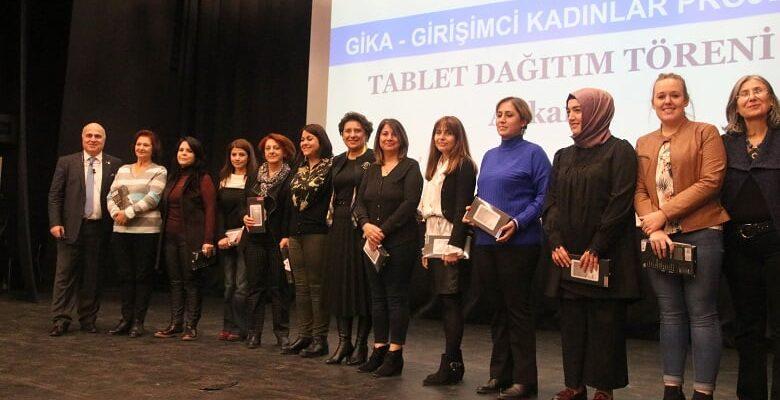 Girişimci kadınlara tablet desteği