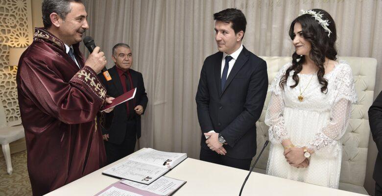 3 Bin 275 Çift Nikah Masasına Oturdu