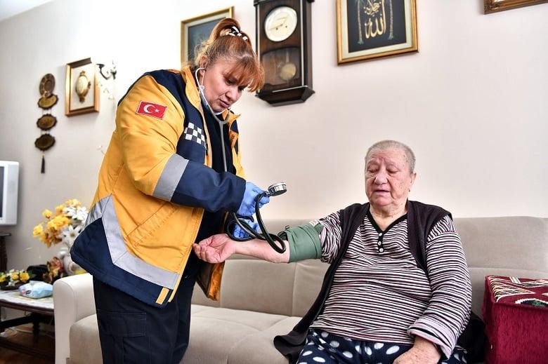 5 Bin 500 Kişiye Evde Sağlık Hizmeti