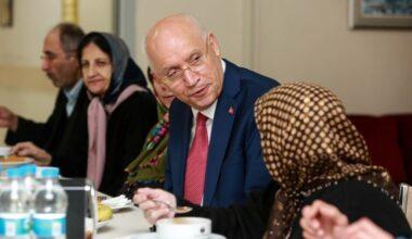 Yaşar'dan kanser hastalarına ziyaret