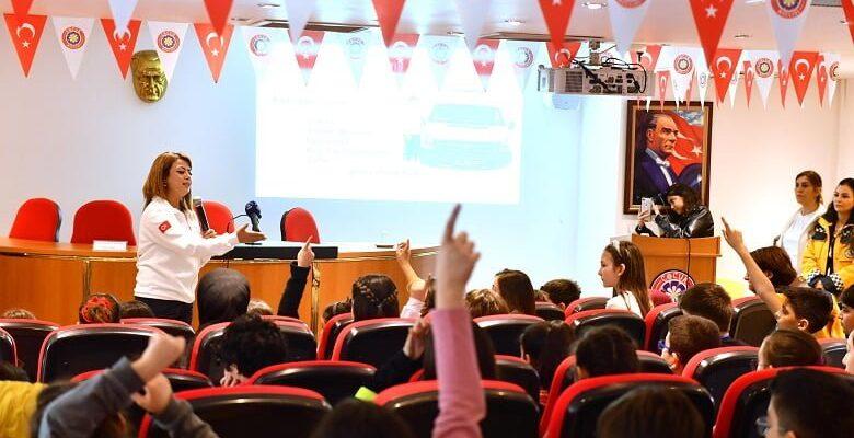 """Büyükşehir Çocuk Meclisi """"112 Acil Yardım"""" eğitimi aldı"""