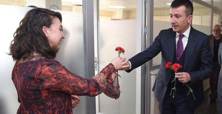 Başkan Balcı'dan kadınlara jest
