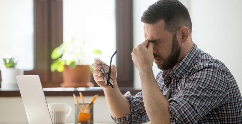 Uzun süreli ekran kullanımı alerjik sorunları artırıyor