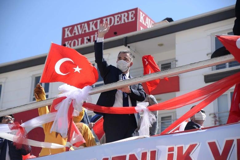 Pursaklar 23 Nisan'ı balkon konserleri ile kutladı