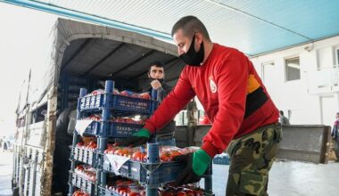 Büyükşehir pazarcı esnafından 23 kamyon ve 1 tır yaş sebze ve meyve aldı